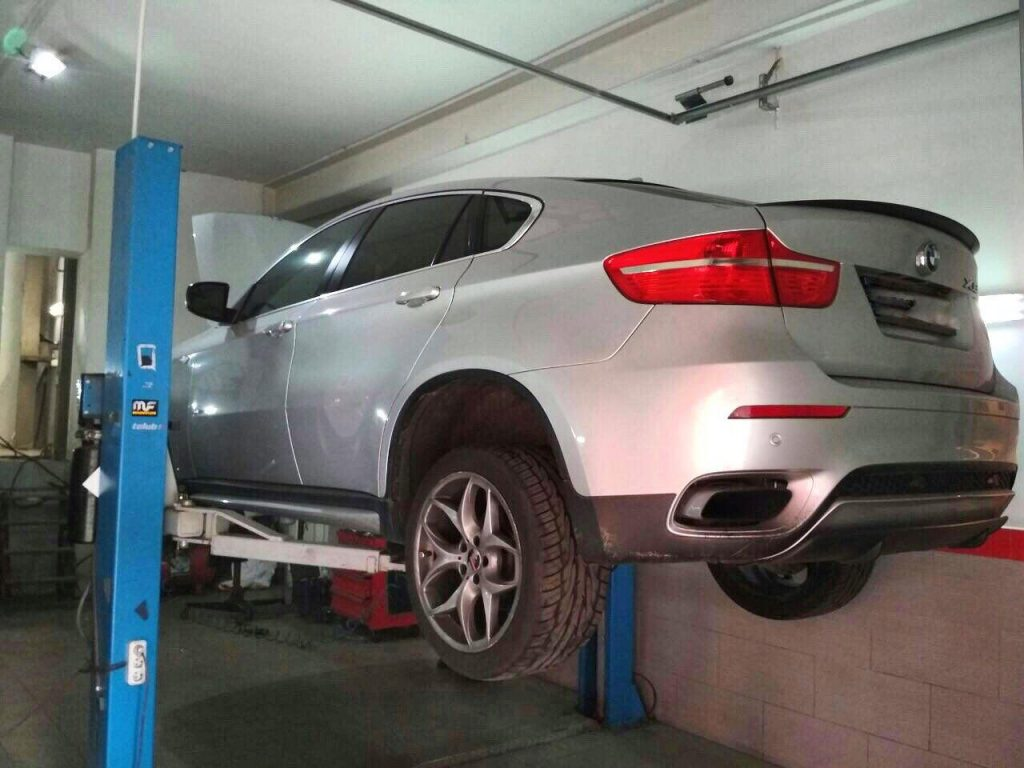 Отключение и удаление катализатора Удаление и отключение катализатора BMW X6 4.4 BiTurbo 2008