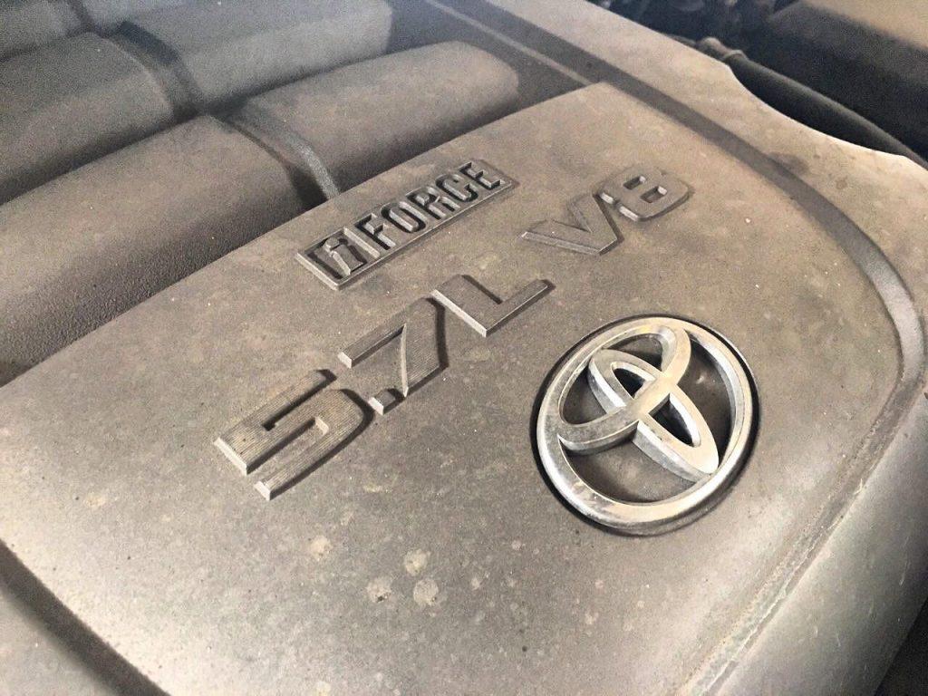 Заглушить клапан ЕГР Toyota Sequoia 5.7 2008