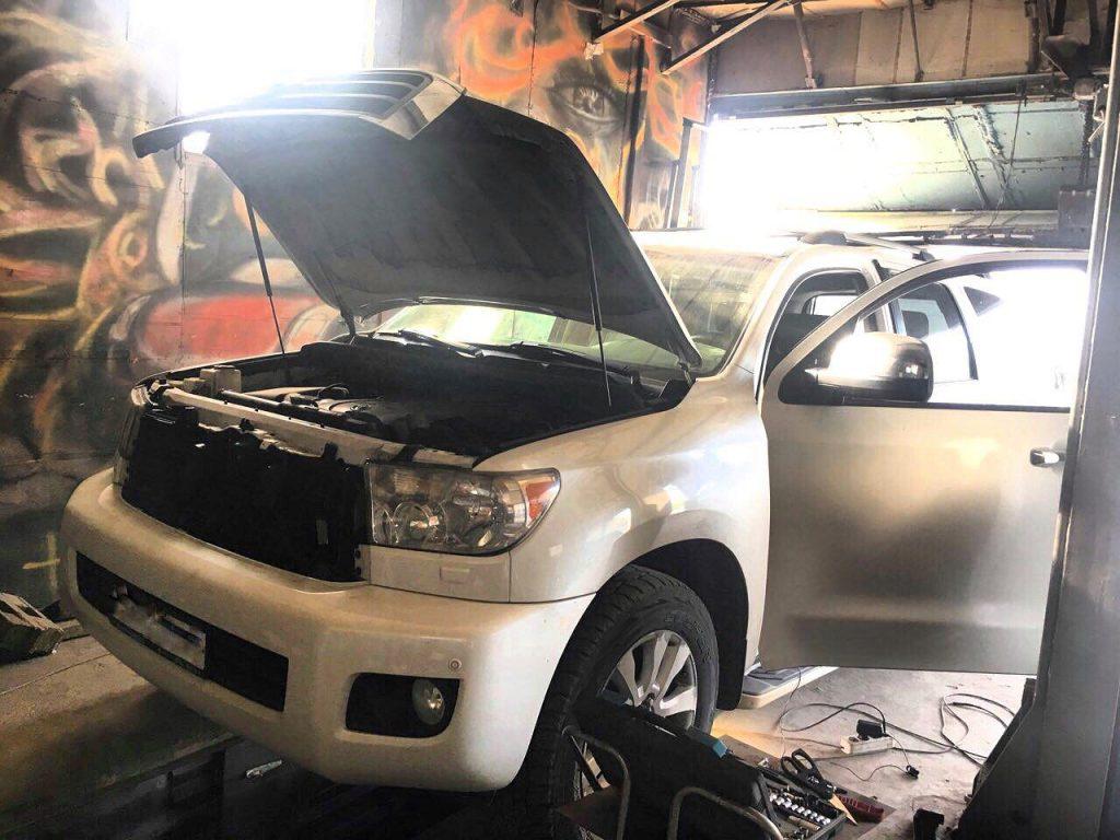 Удалить катализаторы и заглушить клапан ЕГР Toyota Sequoia 5.7 2008
