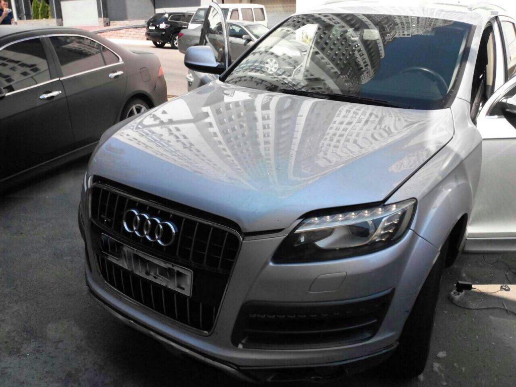 Отключить вихревые заслонки и удалить сажевый фильтр на Audi Q7 3.0 TDI 2009