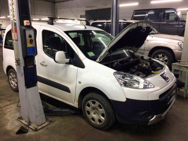 Заглушить клапана ЕГР и отключить, удалить и отключить сажевый фильтр на Peugeot Partner 1.6 HDI 2011