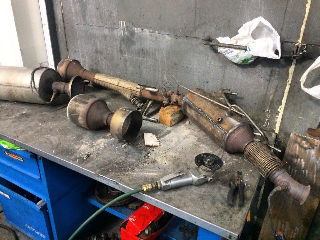 Удалить сажевый фильтр и катализатор Volkswagen Crafter 2.5 TDi 2013