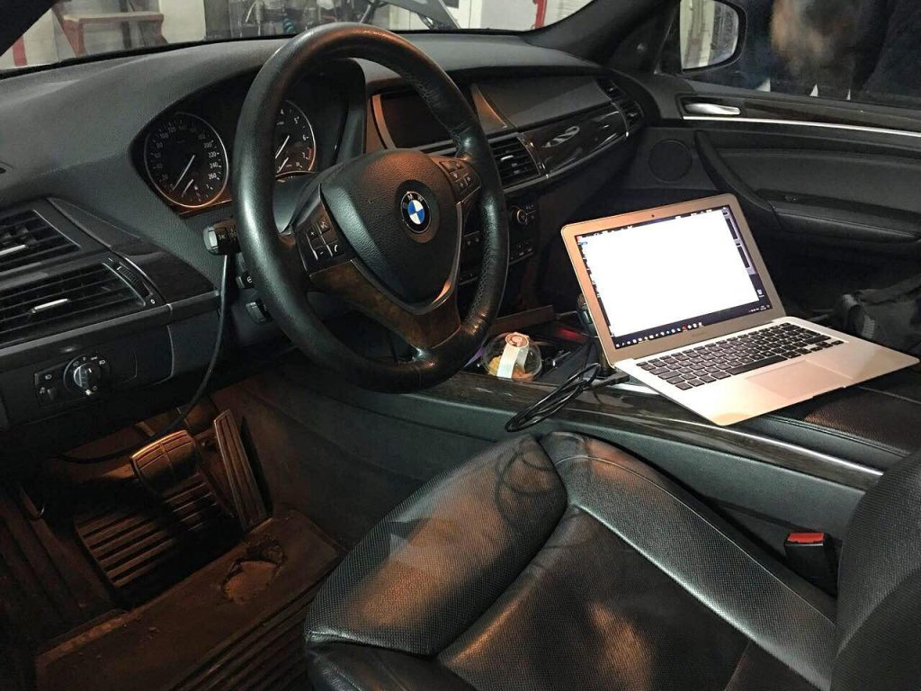 BMW X5 4.8 2008 отключить и удалить катализаторы в Киеве