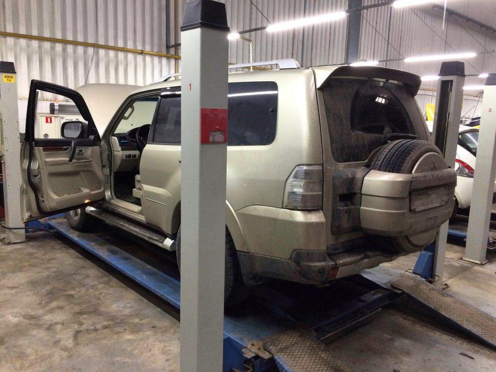 Удалить катализаторы в Киеве на Mitsubishi Pajero Wagon 3.8 2009