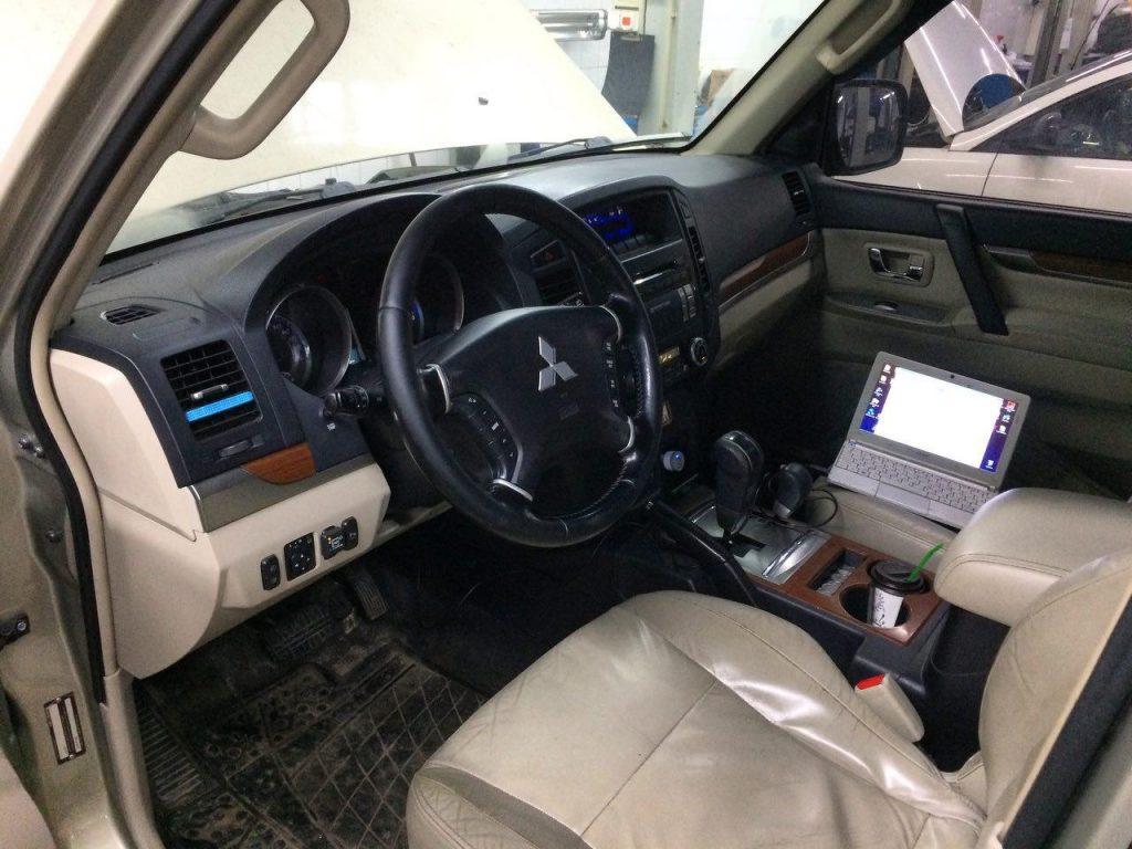Отключение катализаторов Mitsubishi Pajero Wagon 3.8 2009