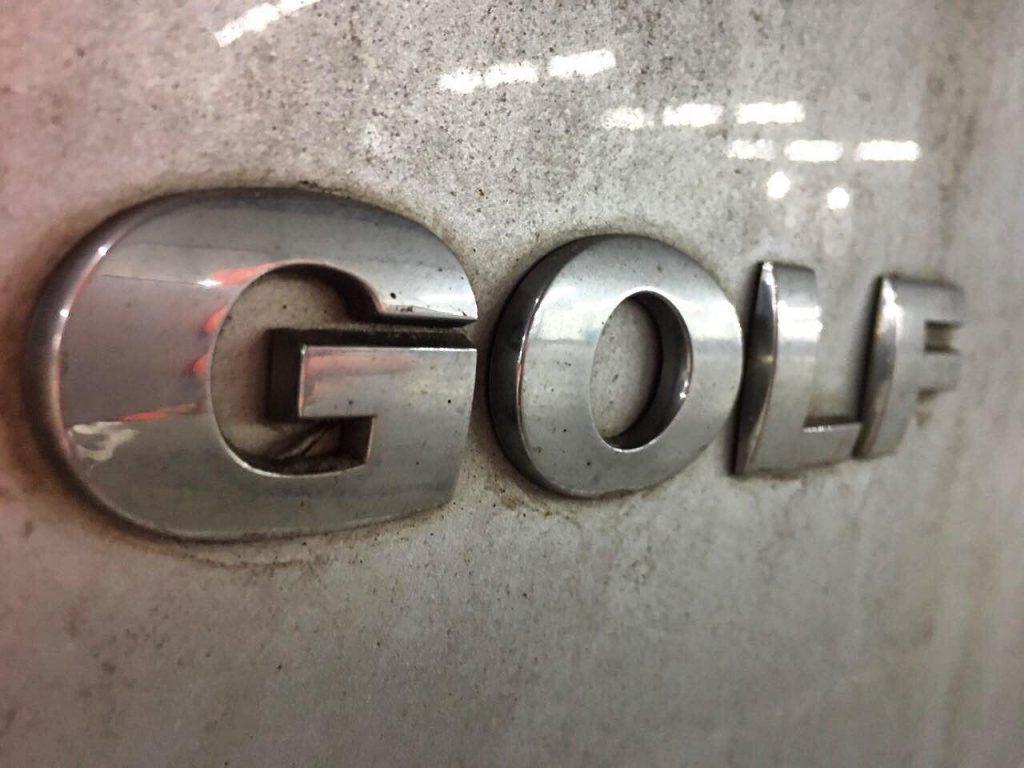 Volkswagen Golf 1.6 TDi 2011 заглушить ЕГР-клапан