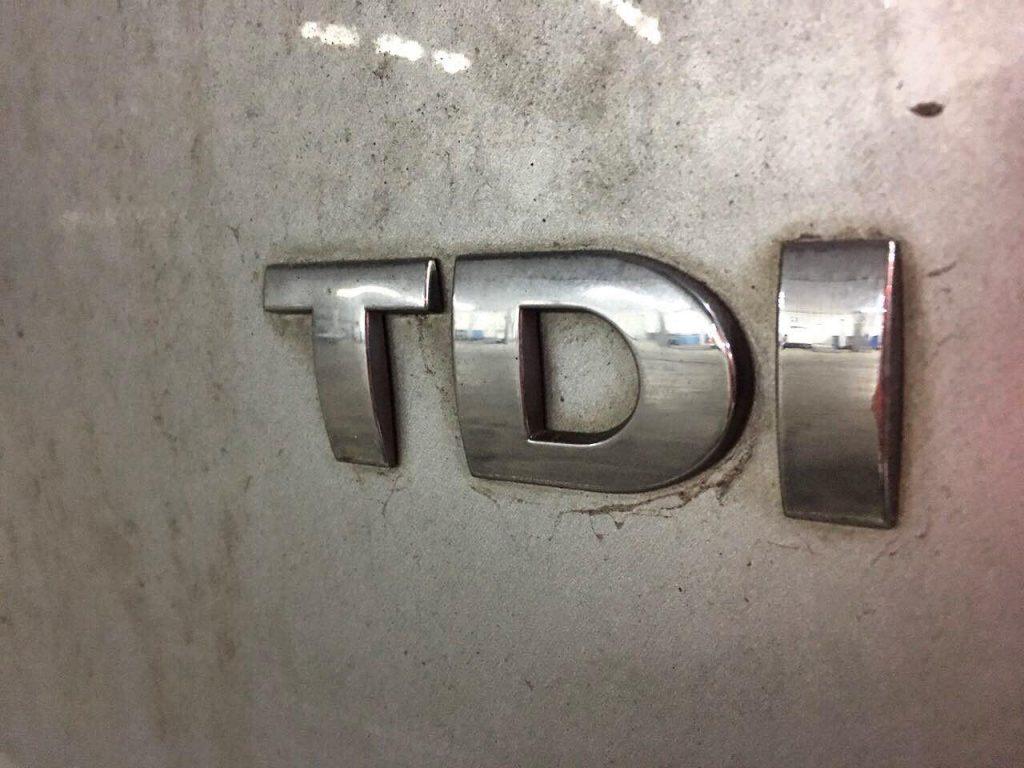 Удалить сажевый фильтр, заглушить клапан ЕГР и отключить на Volkswagen Golf 1.6 TDi 2011